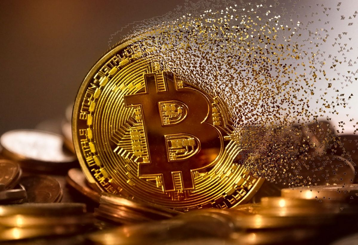 Bitcoin price drops to be used as buying opportunity: deVere CEO