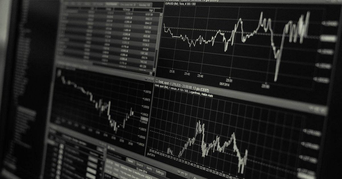 How Long Should You Hold a Swing Trade